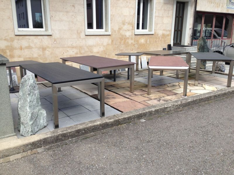 Tischausstellung Steintische